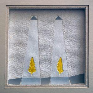 MAGIA - 2005 - PAPEL HECHO A MANO SOBRE MOLDE, CARTULINA Y PINTURA ACRÍLICA - 0,17 m x 0,17 m