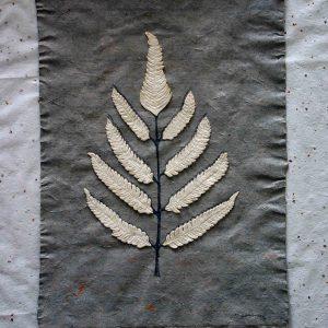 SABIDURIA -  2006 - PAPEL HECHO A MANO, COLLAGE CON HOJAS SOBRE MOLDE Y GRAFITO - 0,42 m x 0,73 m
